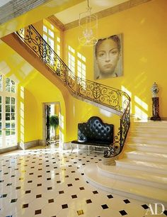 42 Entryway Ideas for a Stunning, Memorable Foyer - Architectural Digest Architectural Digest, Mansion Homes, Flur Design, Design Design, Design Ideas, Small Foyers, Modern Entrance, Yellow Interior, Vestibule