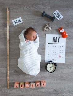 10 Things The Baby's Kicks Are Saying About The Pregnancy - Steaten Foto Newborn, Newborn Baby Photos, Baby Poses, Newborn Baby Photography, Newborn Pictures, Baby Pictures, The Babys, Baby Born, Diy Bebe