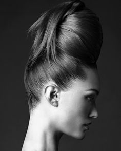Hair sculpture- Monochrome http://www.luvtolook.net/2013/06/hair-sculpture-monochrome.html