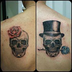 #coupletattoo #couple #coupletattoos #tatuaggio #rosestattoo #tattoodicoppia #tattoo #lovetattoo #inlove #fidanzati #tattooed #tattoofidanzati #skulltattoo #skulls #skullinlove #sweetskulls