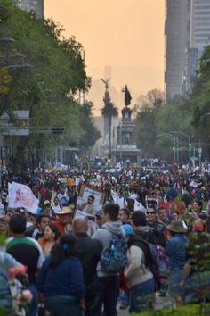 Ayotzinapa no se supera marcha del Ángel de la Independencia al Monumento de la Revolución. 6 de diciembre de 2014