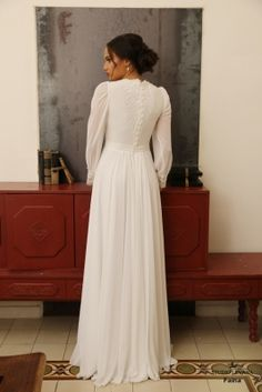 Modest wedding dress Don't Build A House Without Bathtubs Article Body: As an architect, of course I Modest Wedding Gowns, Western Wedding Dresses, Couture Wedding Gowns, Modest Dresses, Modest Outfits, Designer Wedding Dresses, Modest Fashion, Bridal Dresses, Long Sleeve Wedding