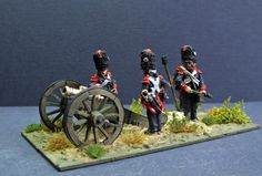 Foot Artillery of the French Imperial Guard preparing a Howitzer to fire. 28mm Perry metal figures