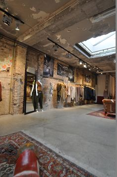 shoptour k ln wondrous shops in k ln. Black Bedroom Furniture Sets. Home Design Ideas