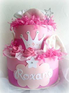 gâteau de couches princesse couronne fuschia rose blanc fille cadeau de naissance original babyshower Princess diaper cake