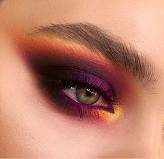 Make Up; Look; Make Up Looks; Make Up Augen; Make Up Prom;Make Up Face; Eye Makeup Tips, Skin Makeup, Makeup Inspo, Makeup Art, Makeup Inspiration, Makeup Ideas, Gold Makeup, Makeup Products, Intense Eye Makeup