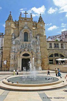 Fonte na frente da Igreja de Santa Cruz, Coimbra - Portugal