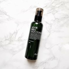 Benton Aloe Skin Toner contains the soothing aloe and acne-fighting BHA to keep skin clear and healthy - Nudie Glow Australia Exfoliating Toner, Hydrating Toner, Skin Toner, Cosmetics Ingredients, Clear Skin Tips, Korean Skincare Routine, Natural Preservatives, Salicylic Acid