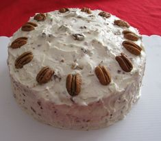 Butter Pecan Cake - This delicious cake is made from scratch (not from a mix) and topped with a creamy butter pecan frosting. Cake Recipes From Scratch, Cake Mix Recipes, Pound Cake Recipes, Dessert Recipes, Pound Cakes, Pecan Recipes, Paleo Recipes, Cake Mix Cupcakes, Pie Cake