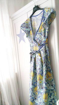 Maternity Hospital Gown by Klein Mädchenträume