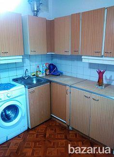 Продается 3-к квартира по улице Чернобыльская, 13-А, на 4-м этаже 16-ти этажного дома. Все комнаты раздельные, есть два балкона с кухни и с...