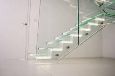 Glastreppe mit LED, Siller Treppen design Glass Stairs, Glass Building, Led, Home Decor, House, Decoration Home, Room Decor, Interior Design, Home Interiors