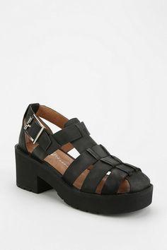 Jeffrey Campbell Argo Platform Sandal #urbanoutfitters j'aime vraiment c'est chaussure **