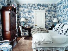 toile de jouy wallpaper fabric blue white decor francois halard home blue tradional bedroom decorating room ideas elana lyn