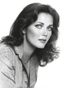 Lynda Carter portrait as Diana Prince Wonder Woman Lynda Carter, Dame Diana Rigg, Carter Page, Retro Photography, Models Makeup, Foto Pose, Fashion Tv, Cute Fall Outfits, Hollywood Celebrities