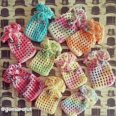 Wedding Souvenir Pouch Pattern. You can insert candy or potpourri into it and make it as ur wedding souvenir. Really easy pattern.