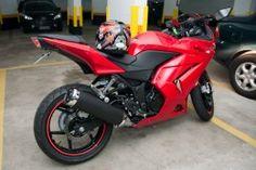Ninja Red and Black Sports Bike Pic - dashing but costly Kawasaki 250, Kawasaki Ninja 250r, Bike Pic, Bike Photo, Honda Bikes, Sportbikes, Love Car, Cbr, Future Car