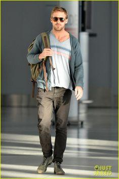 Ryan Gosling... HOT.