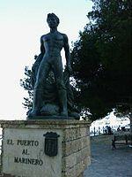 Estatua dedicada a los marineros