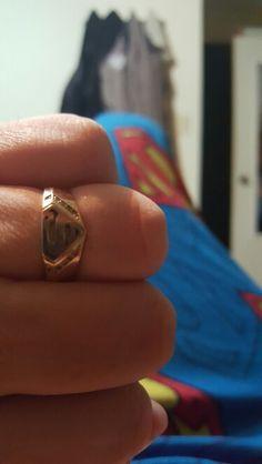 Best superman wedding ring ever Wedding Stuff, Wedding Rings, Wedding Ideas, Superman Ring, Superman Wedding, Things To Buy, Class Ring, Dc Comics, Men's Fashion