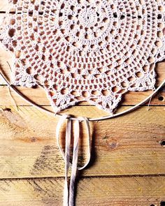 Schema Dreamcatcher attrape rêve DIY facile napperon au crochet dentelle et fra… Schema Dreamcatcher catches […] The post Schema Dreamcatcher Catches Easy DIY Dream Crocheted Lace Nappy and Fra … appeared first on Trending Hair styles. Crochet Doilies, Easy Crochet, Crochet Lace, Crochet Potholders, Diy For Teens, Diy For Kids, Diy Clothes Patterns, Finding A Hobby, Strongest Glue