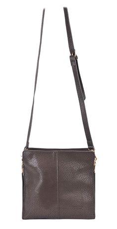 Bolso pequeño cuadrado en marrón chocolate.