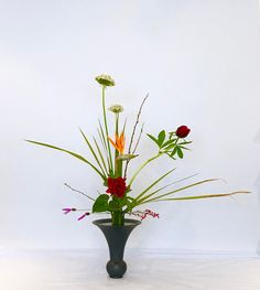 "68 Likes, 1 Comments - Ikebana by Junko (@ikebanabyjunko) on Instagram: ""#ikebana #ikenobo #ikebanaclass #london #japaneseflowerarrangement #池坊#いけばな教室#ロンドン #立花 #rikka…"""