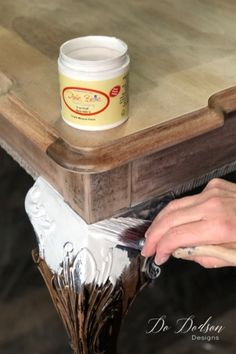 Dark Wood Furniture, Mahogany Furniture, Diy Furniture, Old Wood Table, A Table, Dining Table, Painted Kitchen Tables, Sanding Wood, Bleached Wood