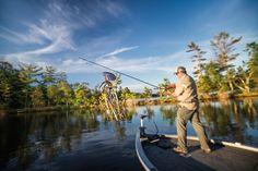 Looking for the 10 best bass fishing tips written by seasoned anglers? Read on to learn how to catch more bass with these secrets from the pros! Also gain insights on the best bass fishing boats and how to fish for different species. Trout Fishing Tips, Bass Fishing Tips, Fishing Rigs, Walleye Fishing, Fishing Guide, Fly Fishing, Women Fishing, Fishing Tackle, Happy Fishing
