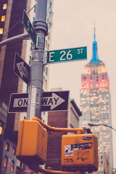 Which Way? #NYC http://blog.wanderable.com/concrete-jungle/