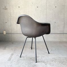 Chair Dolly For Stackable Chairs Refferal: 8128415211 High Back Accent Chairs, Accent Chairs Under 100, Accent Chairs For Living Room, White Leather Dining Chairs, Industrial Dining Chairs, White Chairs, Art Furniture, Heavy Duty Beach Chairs, Black And White Chair