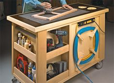 Tool storage diy - RollAround Work Cart Woodsmith Plans This handy cart is loaded with storage options and provides a rocksolid worksurface no matter what the task In any shop there are two things you can't get Workbench With Drawers, Workbench Plans, Woodworking Workbench, Woodworking Projects Diy, Woodworking Furniture, Diy Wood Projects, Diy Furniture, Woodworking Techniques, Garage Workbench