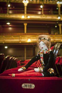 La poupée Chanel http://www.vogue.fr/mode/news-mode/diaporama/les-frimousses-de-createurs-2014/21154
