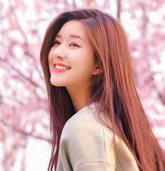 See More in Piniterest Ulzzang Korean Girl, Cute Korean Girl, Cute Asian Girls, Beautiful Chinese Girl, Beautiful Girl Image, Cute Beauty, Beauty Full Girl, Korean Beauty Girls, Asian Beauty