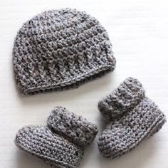 After making the Parker Crochet Newborn Hat (pictured above and available HERE) I knew that it needed a matching pair of baby booties. I grabbed the other half of my skein of Vanna's Choice grey marble and got to work!