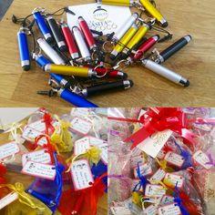 """Detalles de boda para hombre, puntero para el móvil con bolígrafo """"te ofrecemos regalos prácticos para tus invitados"""" Descubre más en #lacasitadecocó #granada #bodas #comuniones #eventosgranada"""