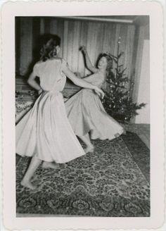 The gallery of mid-century women enjoying fake Christmas trees is glorious. But if all that aluminum leaves you hankering for the look of real pine, we've got pictures for that, too. Christmas Party Images, Vintage Christmas Photos, Ghost Of Christmas Past, Real Christmas Tree, Retro Christmas, Christmas Pictures, Xmas Tree, Vintage Photos, Vintage Photographs
