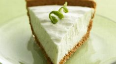 Key Lime Yogurt Pie - You won't need the luck o' the Irish when you're whipping up this low-cal key lime pie. Thanks to fat-free cream cheese and light yogurt, this no-bake dessert won't max out your daily calorie intake. Cream Cheese Pie, Cream Cheeses, Greek Cheese, Lemon Cheese, Dessert Simple, Köstliche Desserts, Dessert Recipes, Diabetic Desserts, Diabetic Recipes