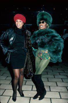 Beverly Johnson and Grace Jones 1988 Jones Fashion, 60 Fashion, Fashion Photo, Vintage Fashion, Fashion Tights, Fashion History, Fashion Brands, Grace Jones, Beverly Johnson