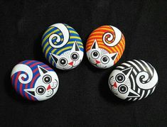 34 Wonderful Diy Painted Rocks Animals Cats For Summer Ideas. If you are looking for Diy Painted Rocks Animals Cats For Summer Ideas, You come to the right place. Here are the Diy Painted Rocks Anima. Pebble Painting, Pebble Art, Stone Painting, Diy Painting, Painting Videos, Light Painting, Rock Painting Patterns, Rock Painting Ideas Easy, Rock Painting Designs