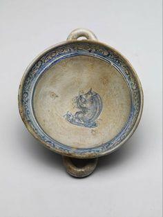 porringer, Anonymous, 1500 - 1600 | Museum Boijmans Van Beuningen #maiolica #thenetherlands #amsterdam #16thcentury #squirrel