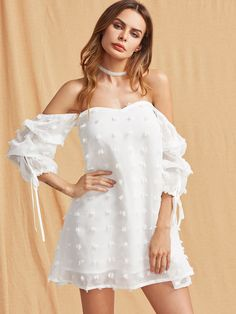 Shop Self Tie Ruched Sleeve Frayed Jacquard Sweetheart Dress online. SheIn offers Self Tie Ruched Sleeve Frayed Jacquard Sweetheart Dress & more to fit your fashionable needs. Chic Outfits, Dress Outfits, Casual Dresses, Fashion Dresses, Summer Dresses, Women's Fashion, White Off Shoulder, Sweetheart Dress, Classy Dress
