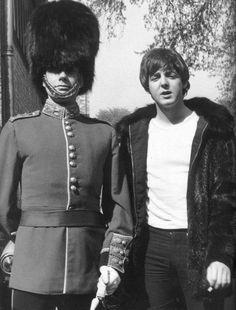 Paul McCartney – Amazing 120 Photos (Happy Birthday Paul) – The Beatles Paul Mccartney Quotes, Liverpool, Happy Birthday Paul, John Lennon Yoko Ono, Les Beatles, Beatles Photos, Sir Paul, The Fab Four, Saddest Songs