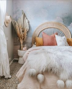 Who else is ready for bed tonight? Rookie error starting a new netflix series at last night. Don't F**k With Cats: Hunting… Beautiful Bedroom Designs, Beautiful Bedrooms, Room Ideas Bedroom, Girls Bedroom, Cloud Wallpaper, Grey Wallpaper, Bedroom Wallpaper, Bohemian Bedroom Decor, Aesthetic Bedroom