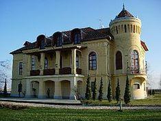 Almásy kastélyszálló Kétpó Castle Ruins, Medieval Castle, Heart Of Europe, Cozy Place, Homeland, Budapest, Palace, Beautiful Places, Places To Visit