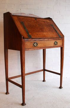 An Arts U0026 Crafts Oak Bureau   Antiques Atlas