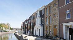 Woningen zelfbouw kavels Coendersbuurt Nieuw Delft  opgeleverd #zelfbouw #architect Delft, Holland Netherlands, The Hague, Old City, Rotterdam, Brick, Multi Story Building, Street View, Places