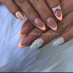 #glitternails #swarovski #swarovskinails #swarovskicrystals #prodigynails #nails2016