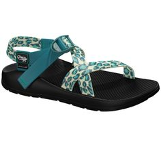 UPPER:   Polyester jacquard webbing upper wraps around the foot and through the midsole for a customized fit  Adjustable and durable high-tensile webbing heel risers Injection-molded ladder lock buckle   MIDSOLE:  LUVSEAT™ PU midsole    OUTSOLE:  Non-marking Vibram® rubber compound