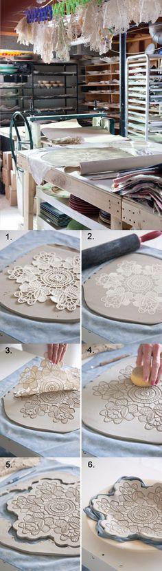 DIY Lace Pottery - victoriamag.com - Técnica para hacer platos de cerámica